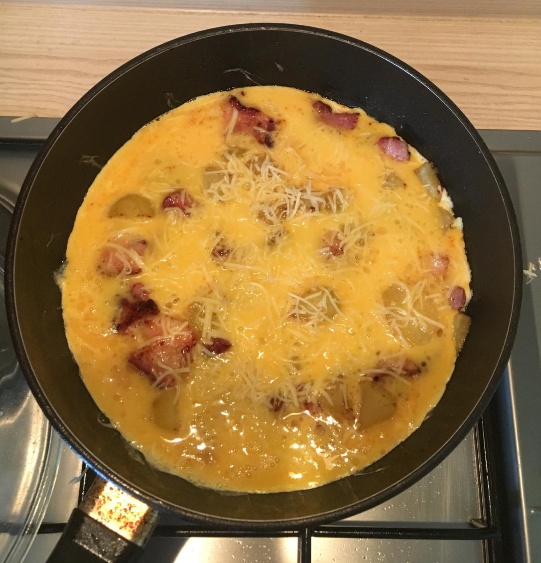 Omelette plate paysanne